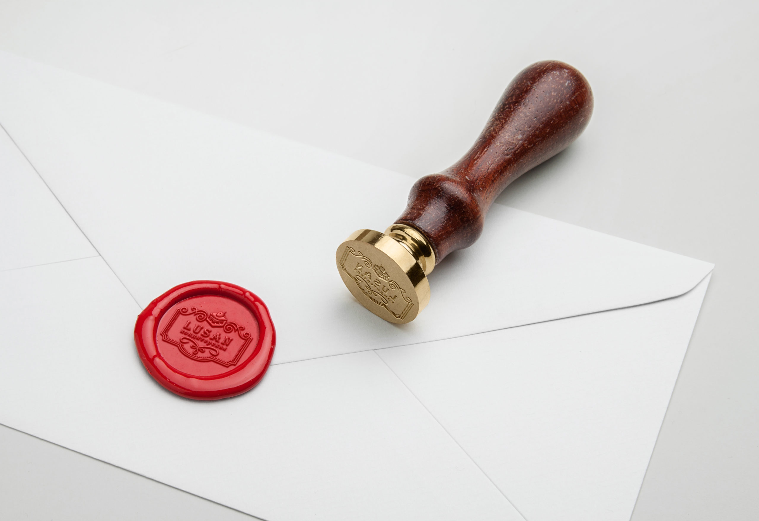 сургучная печать с логотипом кондитерской